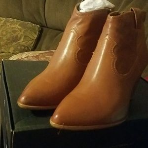 New Frye zReina Wester bootie size 7.5 and 10